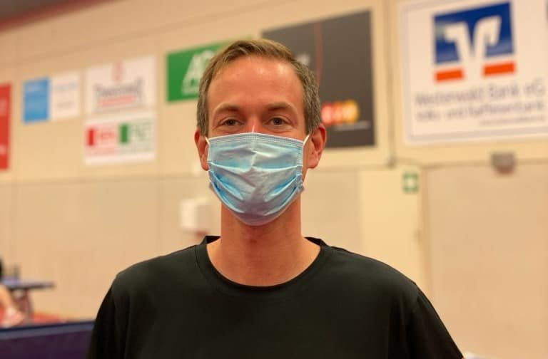 Table tennis pimples course Sebastian Sauer mask
